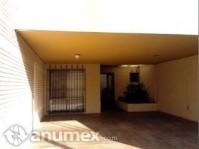 Residencia con Excelente de ubicación en Colonia L en Saltillo, Coahuila de Zaragoza