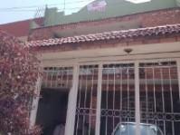 Casa en Col Monumental por Estadio Jalisco en Guadalajara, Jalisco