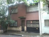 Casa Sola 3 habitaciones, estudio, estacionamiento en Ciudad de México, Distrito Federal