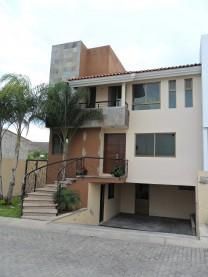 Preciosa Casa en Fracc. Casa Fuerte!! en Tlajomulco de Zúñiga, Jalisco