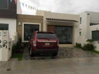 CASA NUEVA EN VENTA DE UN SOLO NIVEL,CON JARDINES. en Morelia, Michoacán de Ocampo
