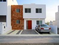 Casa Unica con su propia Alberquita Privada en El Marqués, Querétaro