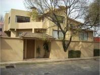 Â¡Casa en venta acabados de lujo! -Lomas de las Palmas-Interlomas en Huixquilucan, Distrito Federal