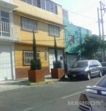 Funcional casa en Metropolitana 3a. secc en Ciudad Nezahualcoyotl, México