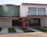 Casa en Circuito Valle de Bravo 120/ Rinconada del en Zapopan, Jalisco