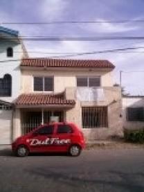 Casa por Lopez Mateos y Peri frente Bugambilias en Zapopan, Jalisco