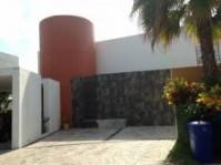 ¡PRECIOSA RESIDENCIA! Estilo Moderno en Cancún, Quintana Roo