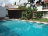 Ciudad del Sol residencia con alberca y jardines en Zapopan, Jalisco