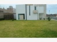 Preciosa casa con jardín junto a área verde en Pas en San Pedro Cholula, Puebla