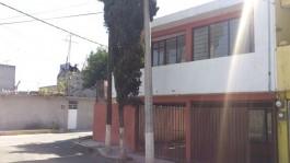 EXCELENTE CASA EN ESQUINA en Iztapalapa, Distrito Federal