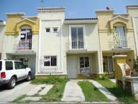 Casa en Fracc Real del Valle  a 5 mnt Periferico en Tlajomulco de Zúñiga, Jalisco