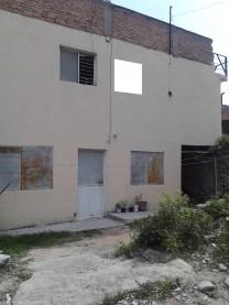 CASA CON 2 LOCALES COMERCIALES en Zapopan, Jalisco