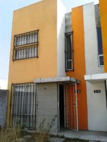 CASA EN VENTA CERCA DE METEPEC (fraccionamiento) en San Antonio la Isla, México