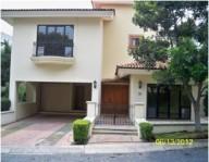 Casa en Av. Acueducto # 2405 Int. 10, Colinas de S en Guadalajara, Jalisco