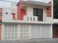Hermosa Casa atrás de Plaza Aragón en Ecatepec de Morelos, México