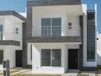 Hermosa casa en Villas de Bernalejo recién constru en Irapuato, Guanajuato