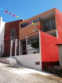 Vivienda con Diseño Contemporaneo bien Iluminada en Xalapa-Enríquez, Veracruz de Ignacio de la Llave