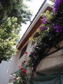 Cuajimalpa, Casa sobre avenida en zona comercial en Cuajimalpa de Morelos, Distrito Federal