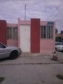REMATO CASA EN JARDINES DE LOS PIRULES en Aguascalientes, Aguascalientes