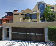 Preciosa Casa en Jardines de Satelite en Naucalpan de Juárez, México