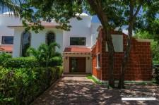 Estrategica Casa en Venta en Playacar 2 en Solidaridad, Quintana Roo