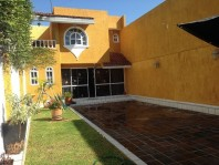 Casa por La Calzada cercana Colegio La Salle en Guadalajara, Jalisco