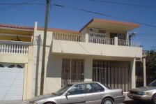 Amplia Casa en Fracc Centro Ubrano 70-76 Tijuana, BC en Tijuana, Baja California