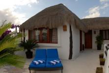 Hotel boutique con 4 locales comerciales en 5ta Av en Playa del Carmen, Quintana Roo