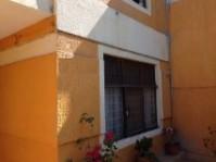 Casa en Col Jardines de la Paz por Clinica 14 en Tlaquepaque, Jalisco