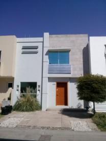 Casa en Renta Córdova 450 / Nueva Galicia / Tlajom en Tlajomulco de Zuñiga, Jalisco