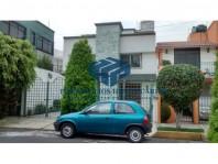 Excelente Casa en Lomas Estrella en Ciudad de México, Distrito Federal