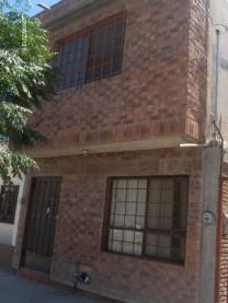 RENTO CASA CÈNTRICA EN LA CALLE 11 DE TORREÒN 2 PLANTAS $2500 en torreon, Coahuila de Zaragoza