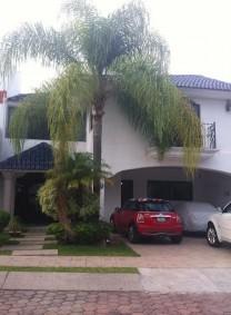 Venta Casa Virreyes coto Parque La Castellana 3 ha en Zapopan, Jalisco