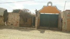Hermosa casa antigua totalmente bardeada en Tequisquiapan, Querétaro