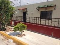 Remato casa por Plaza Independencia y Zoologico en Guadalajara, Jalisco