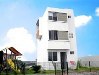 Casa en Rinc. Lagos de Gpe. cerca de Plaza Town en Villa Nicolás Romero, México