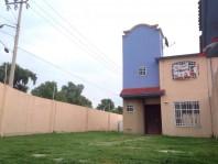 Casa en privada con enorme jardin en renta en Cuautitlán Izcalli, México