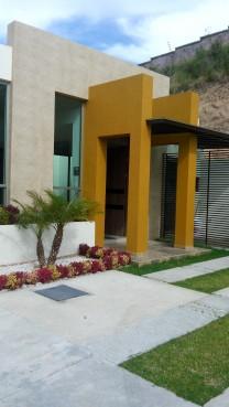 Casa nueva en fracc.privado terminados de lujo. en Morelia, Michoacán de Ocampo