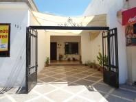 Vendo amplia casa con ofna y deptos. equipados en Ciudad Obregón, Sonora