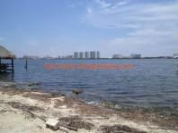 **Unico lote, frente a laguna en Benito Juarez, Quintana Roo