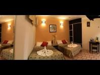 Hotel con locales comerciales en col. centro en Playa del Carmen, Quintana Roo