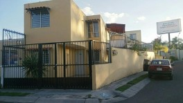 Casa en Venta en ESQUINA, Fracc Villas Terranova en Tlajomulco de Zúñiga, Jalisco