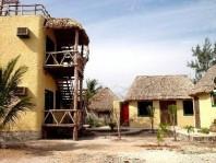 Casa Amigos  3 Recamaras/4 Banos mas un lote baldi en Lázaro Cárdenas, Quintana Roo