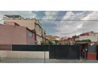 Remate Casa en Valle del Tenayo en Tlalnepantla de Baz, México