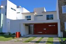Casa en Boulevard Santa Anita en Tlajomulco de Zúñiga, Jalisco