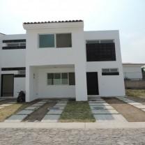 Casa por Prol Mariano Otero a la altura de Banamex en Zapopan, Jalisco