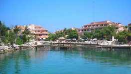 ~Departamento en Marina San Marino en Solidaridad, Quintana Roo