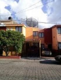 Casa por Plaza Independencia espaladas Home Depot en Guadalajara, Jalisco