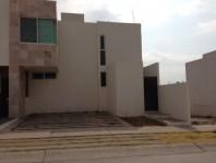 Renta hermosa casa en Villa Magna en San Luis Potosi, San Luis Potosi