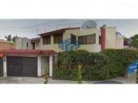 Remate Casa en Valle Dorado en Tlalnepantla de Baz, México